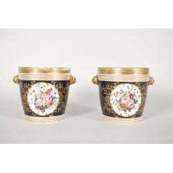 Paire de cache-pots en porcelaine de Paris