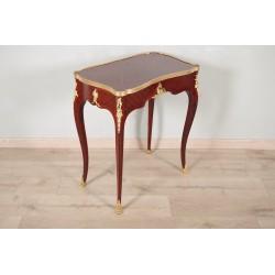 Table à écrire style Louis XV dans le goût de BVRB